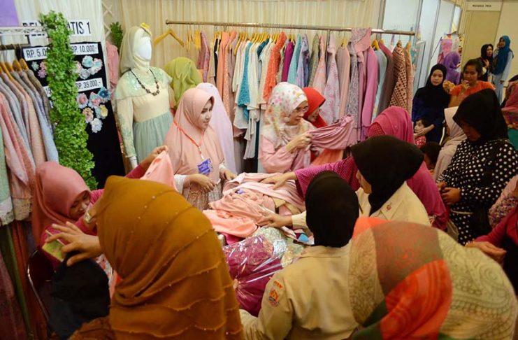 bisnis hijab artis